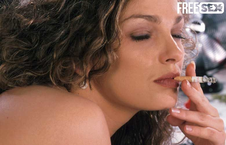 Smoking Fetish MILF Chat UK